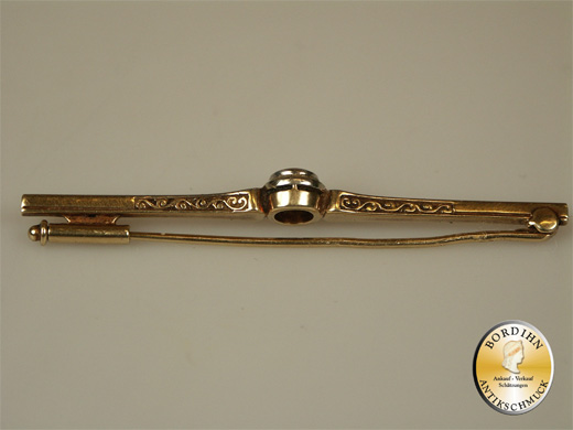 Stabbrosche; 14 Karat Gold mit einem Diamanten, um 1920