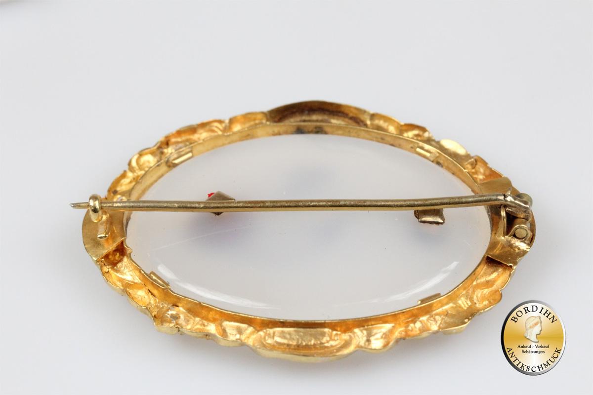 Brosche; 18 Karat Gold mit Glasfluss und Türkisen, antik