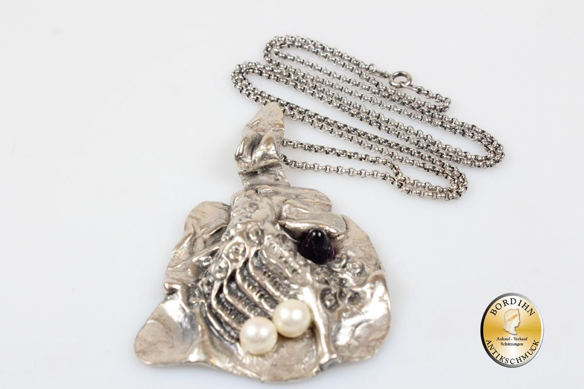 Anhänger; Silber, exzendrisch Gebilde, mit Kette