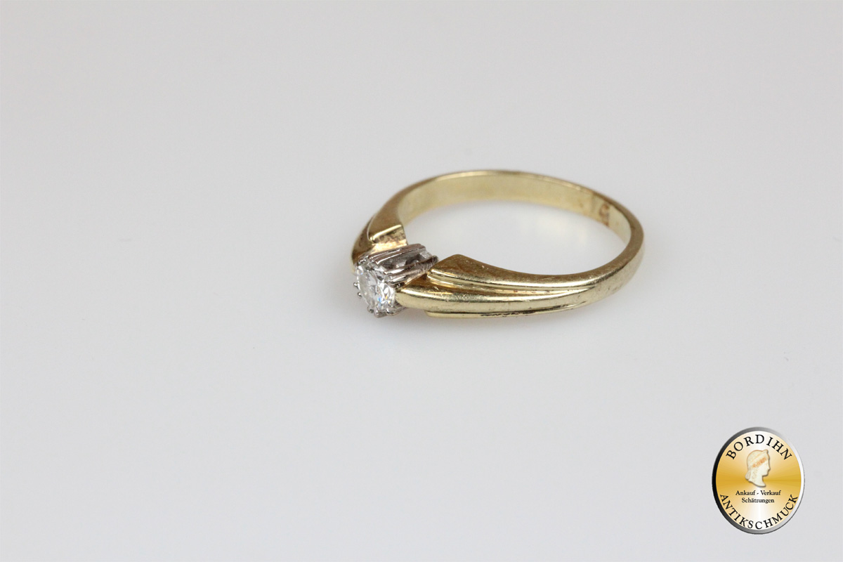 Ring; 14K Gold, Brillant 0,15ct, um 1970