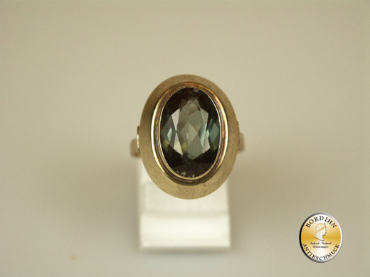 Ring; 8 Karat Gold, synth. Spinell