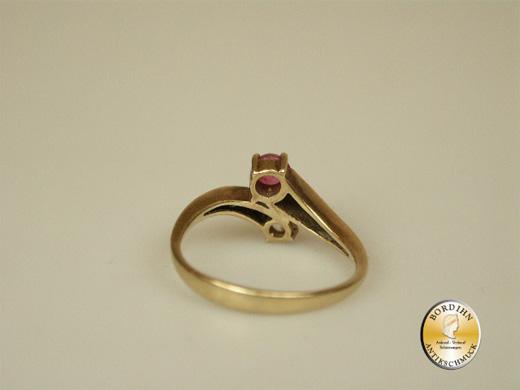 Ring; 14 Karat Gold, Diamant und Rubin