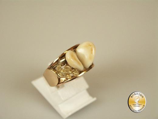 Ring; 18 Karat Gold, Fassung 925 Silber, mit zwei Grandel