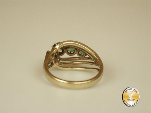 Ring; 14 Karat Gold mit drei Smaragden