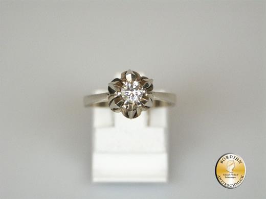 Ring; 18 Karat Weißgold, mit Brillant ca. 0,25ct.