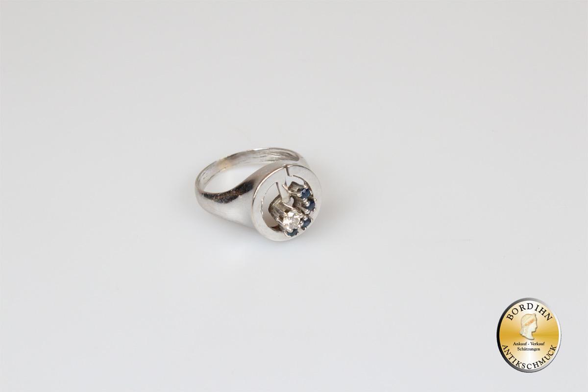 Ring; 14 Karat Weißgold mit  Saphir u. Brillant