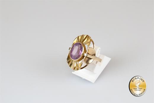 Ring; 14 Karat Gold mit einem Amethyst