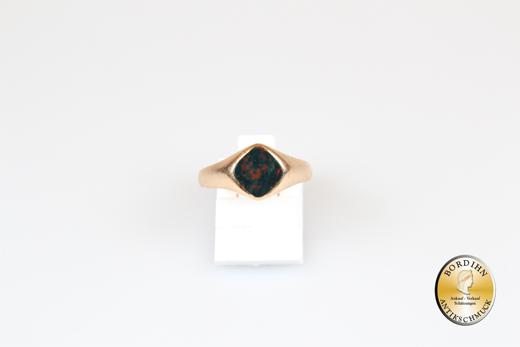 Ring; 14 Karat Gold mit einem Jaspis, antik