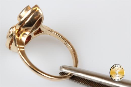Ring; 14 Karat Gold mit Rubin, Saphir, Diamanten
