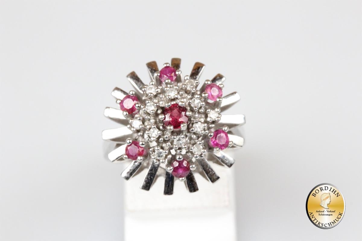 Ring; 14 Karat Weißgold, Rubine und Diamanten