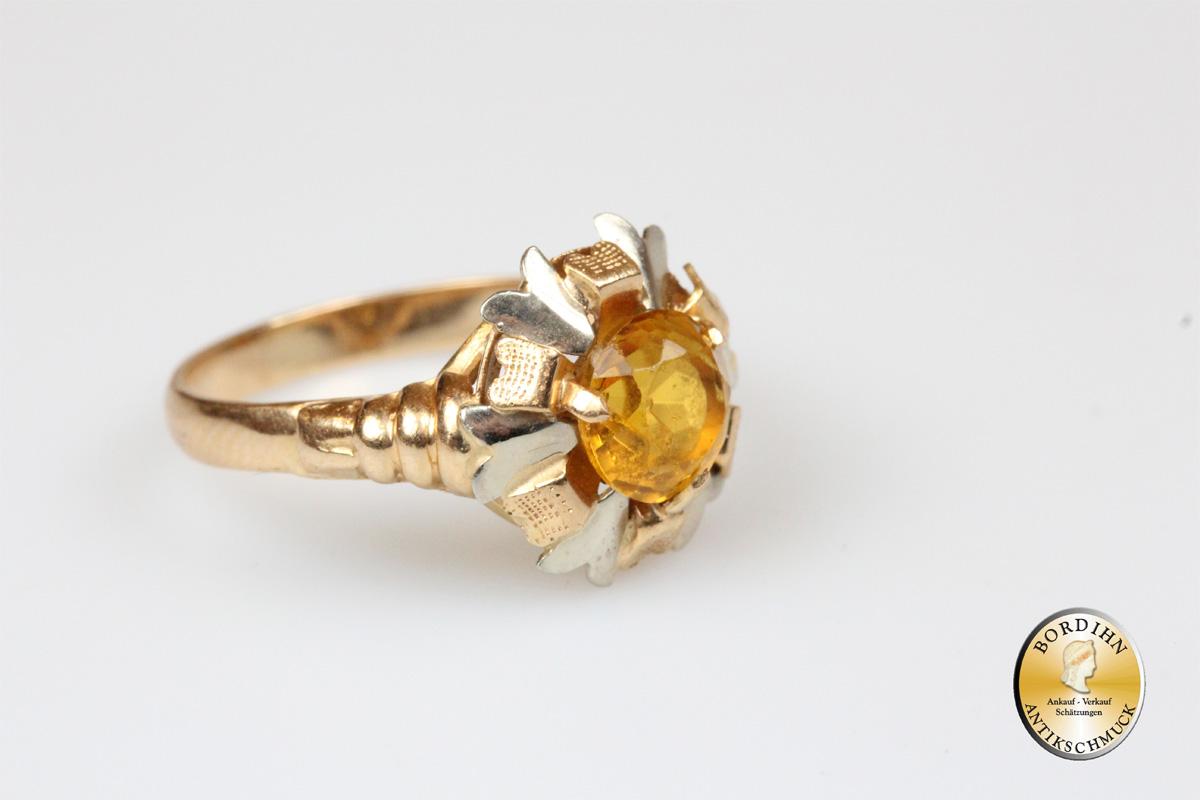 Ring; 18 Karat Gold, mit einem Farbstein
