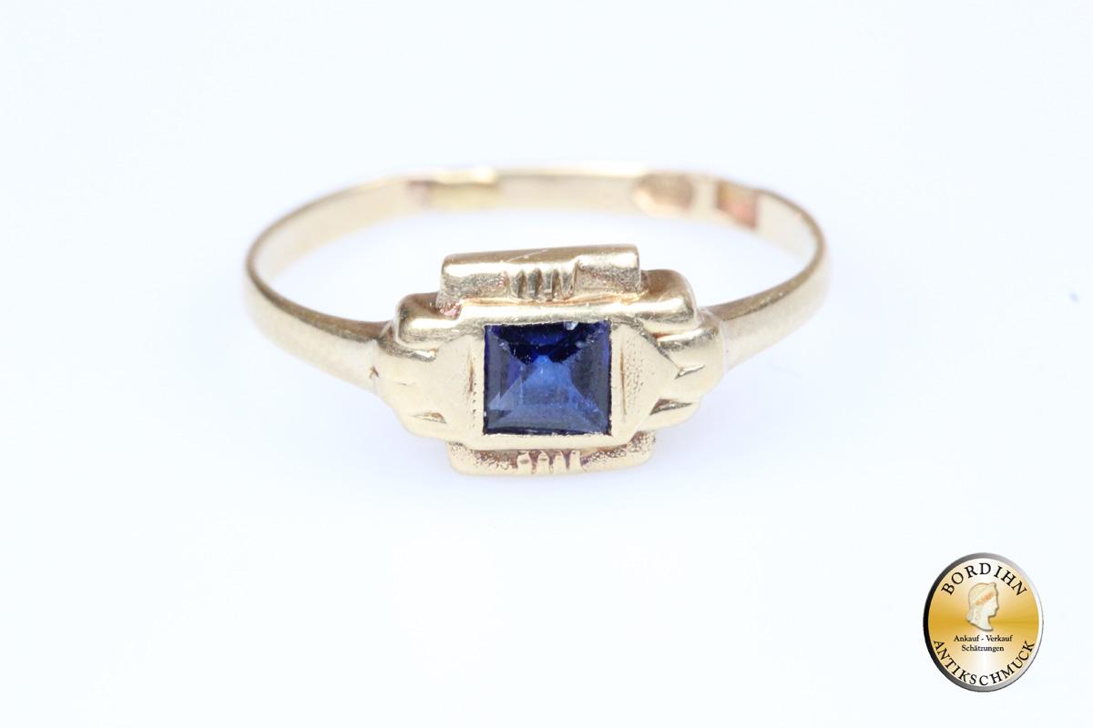Ring; 14 Karat Gold, Saphir