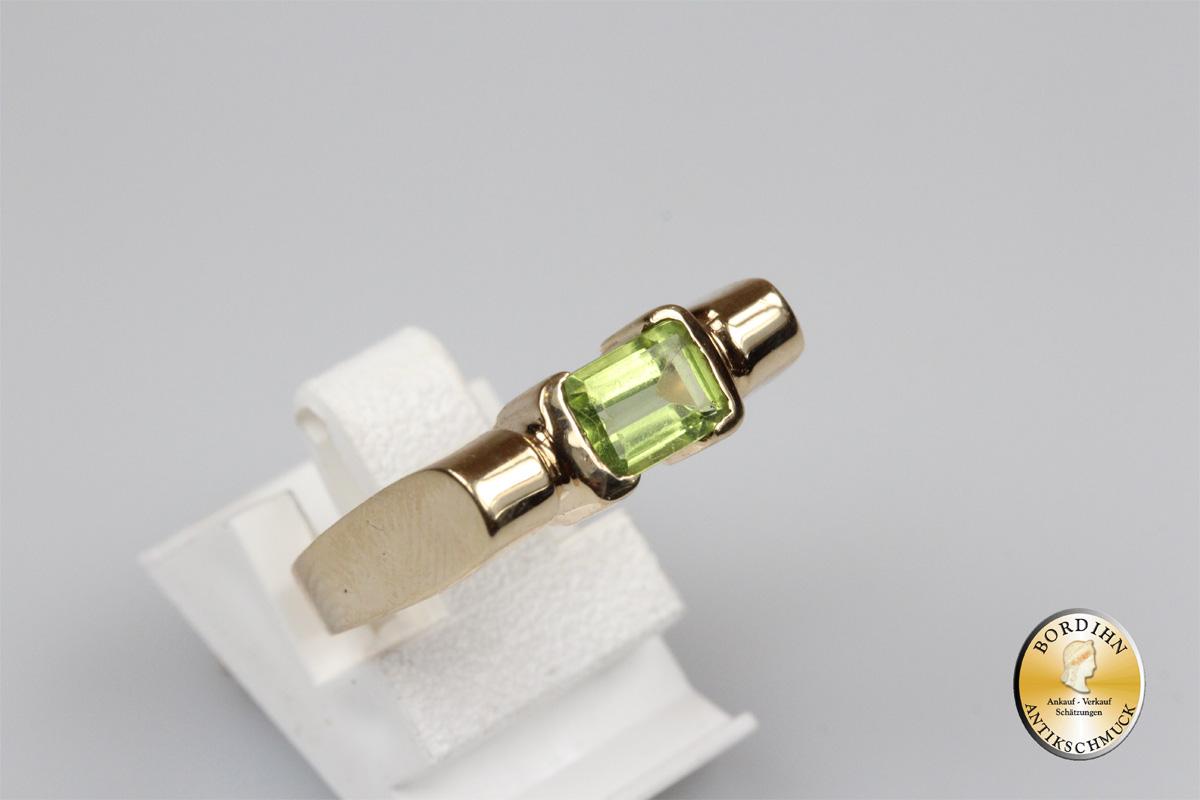 Ring; 10 Karat Gold mit Peridot
