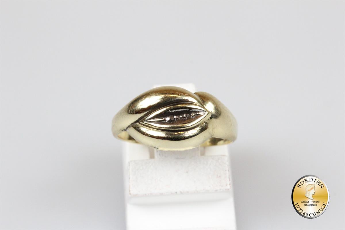 Ring; 14 Karat Gold, Knoten