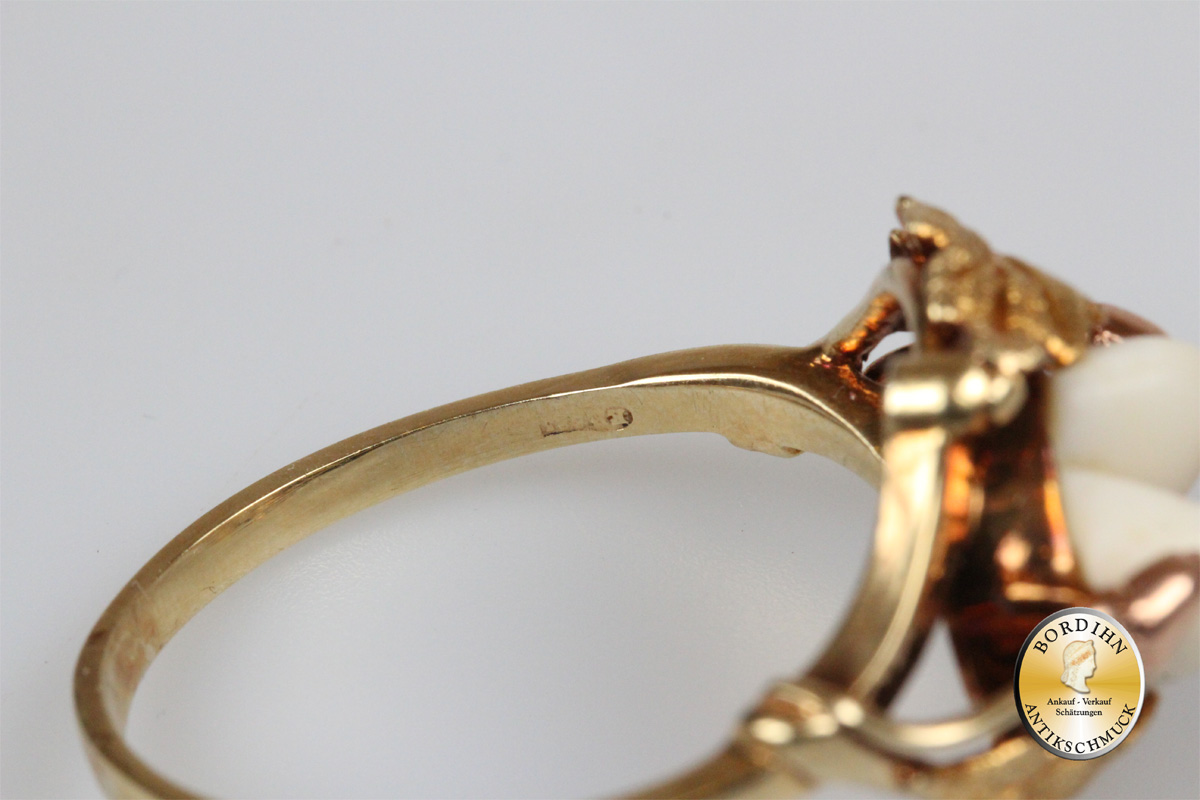 Ring; 14 Karat Gold, 2 Grandel
