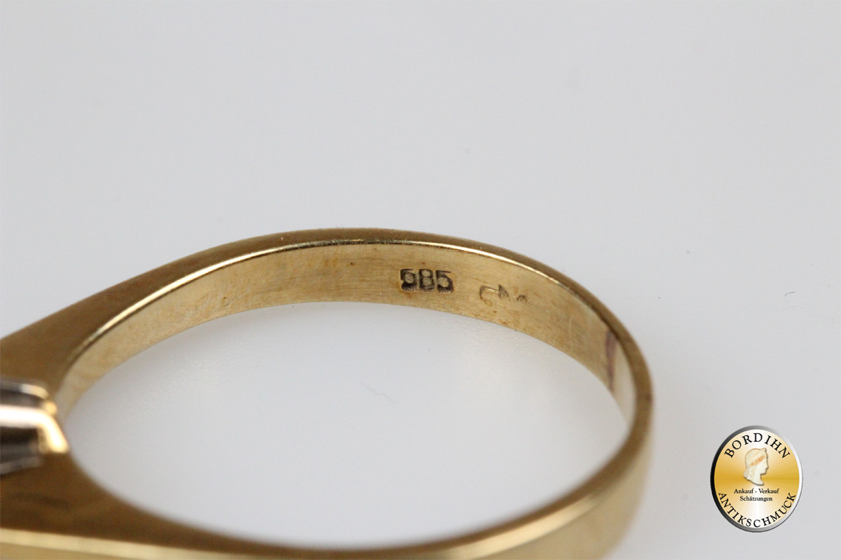 Ring; 14 Karat Gold, 1 Brillant