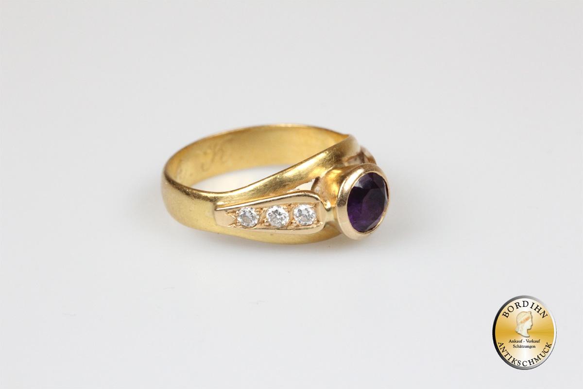 Ring; 21,6 Karat (900) Gold mit Amethyst und Brillanten