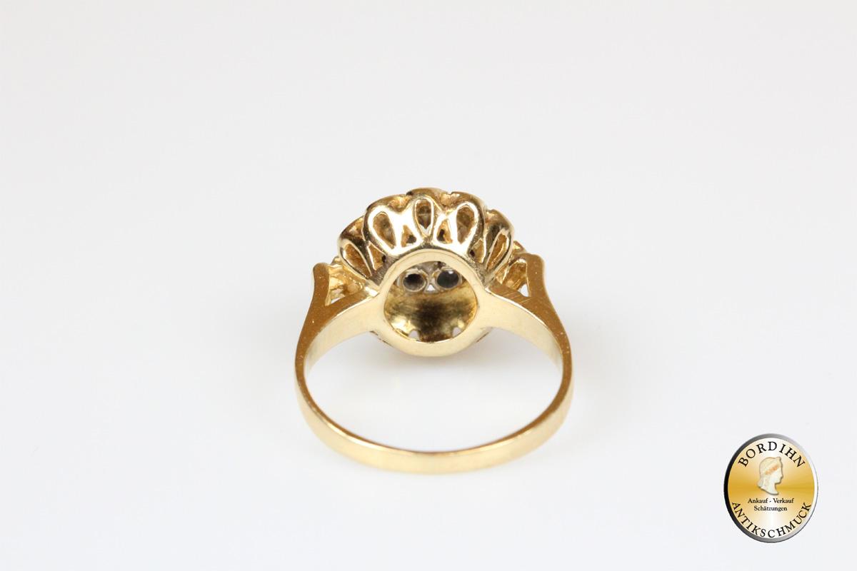 Ring; 18 Karat Gold mit 7 Saphiren