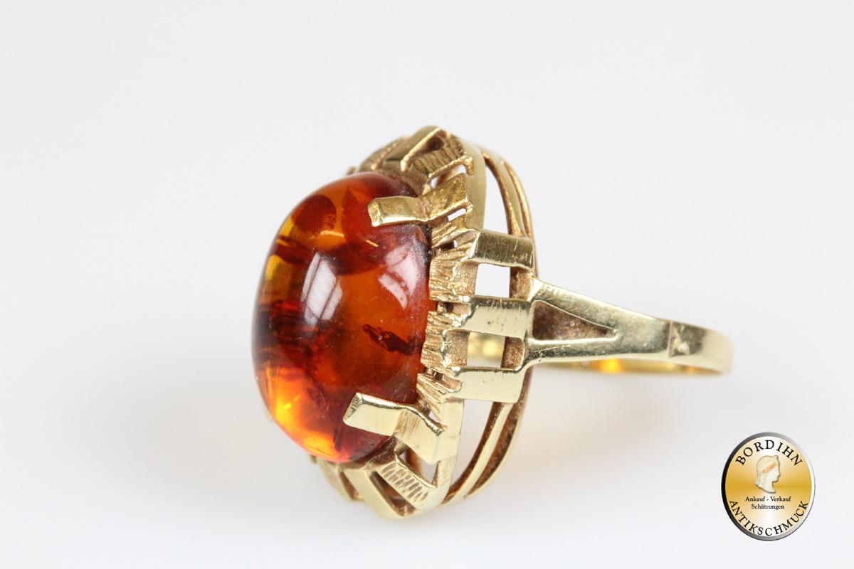 Ring; 14 Karat Gold, Bernstein