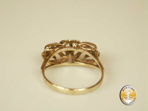 Ring; 14 Karat Gold, Diamant und Rubin, antik