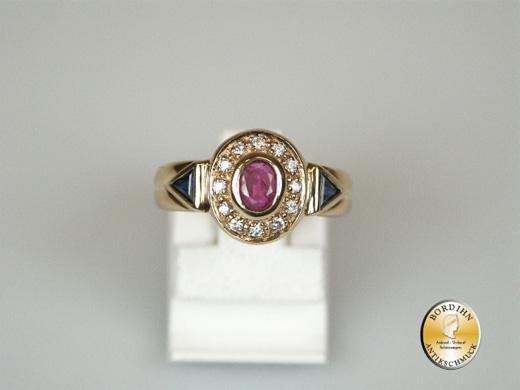Ring; 8 Karat Gold, Farbsteine, Rubin