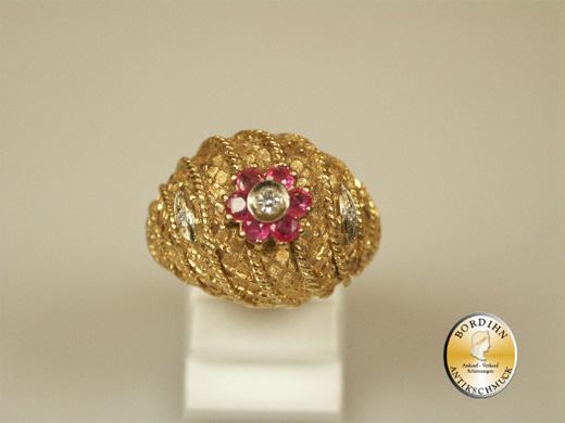Damenring; 18 Karat Gold mit Rubin und Diamant, um 1960