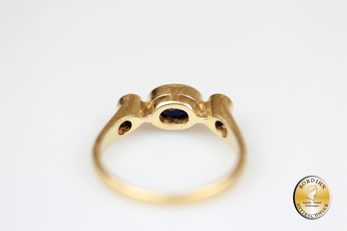 Ring; 14 Karat Gold, Safir und Brillanten