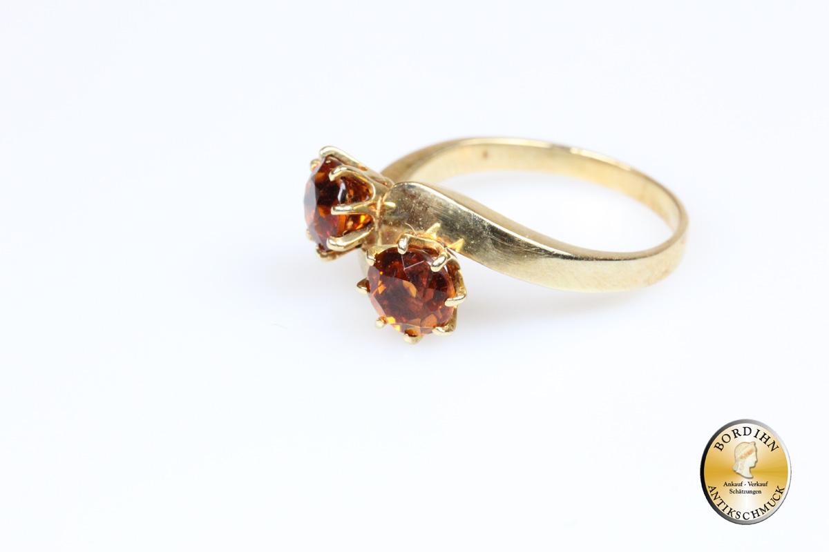 Ring; 14 Karat Gold mit zwei Goldtopasen