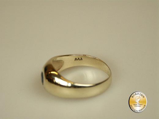 Ring; Bandring, 8 Karat Gold mit Safir
