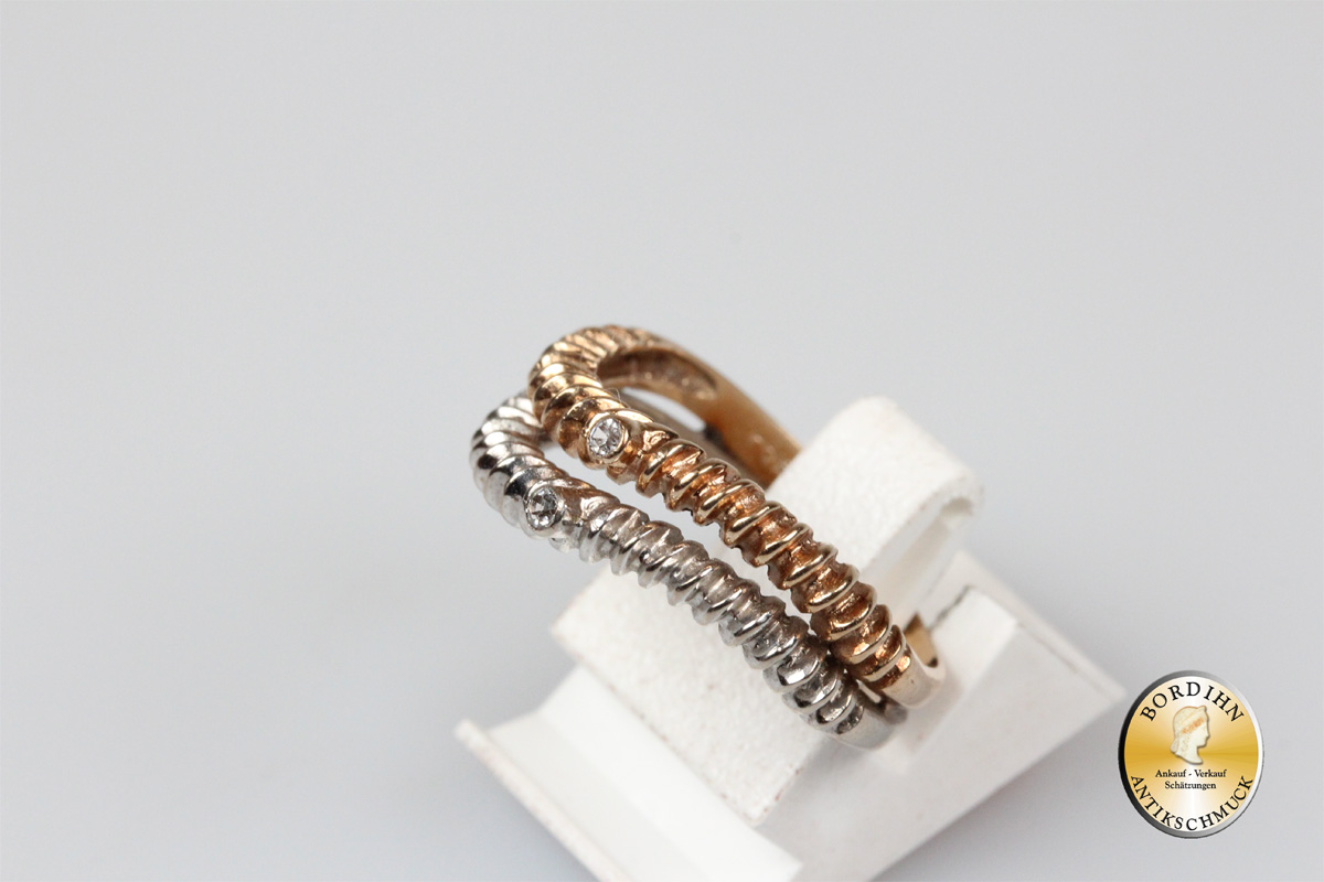 Ring; 14 Karat Gold mit weißen Farbsteinen