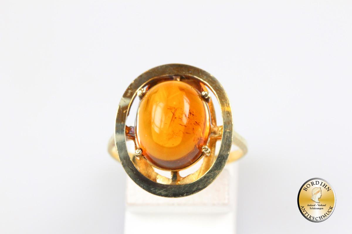 Ring; 14 Karat Gold mit einem Farbstein