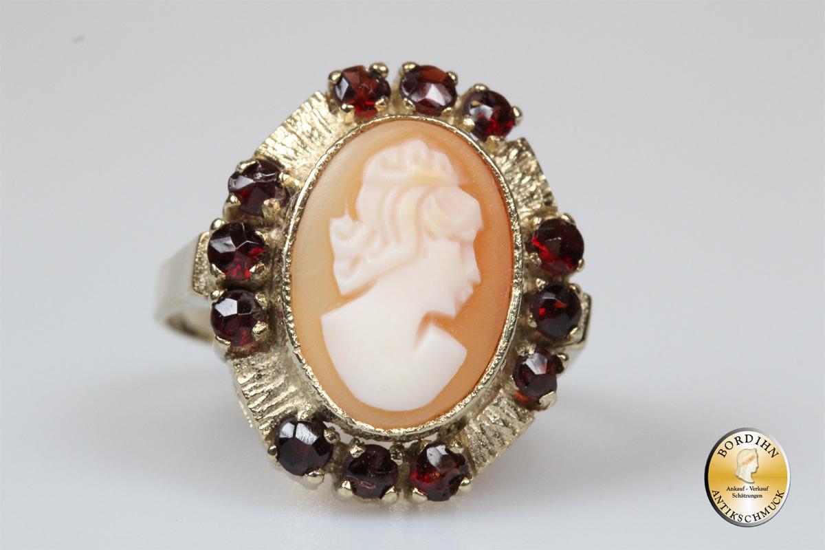 Ring; 8 Karat Gold mit Gemme und 12x Granat, Goldring, Damanring