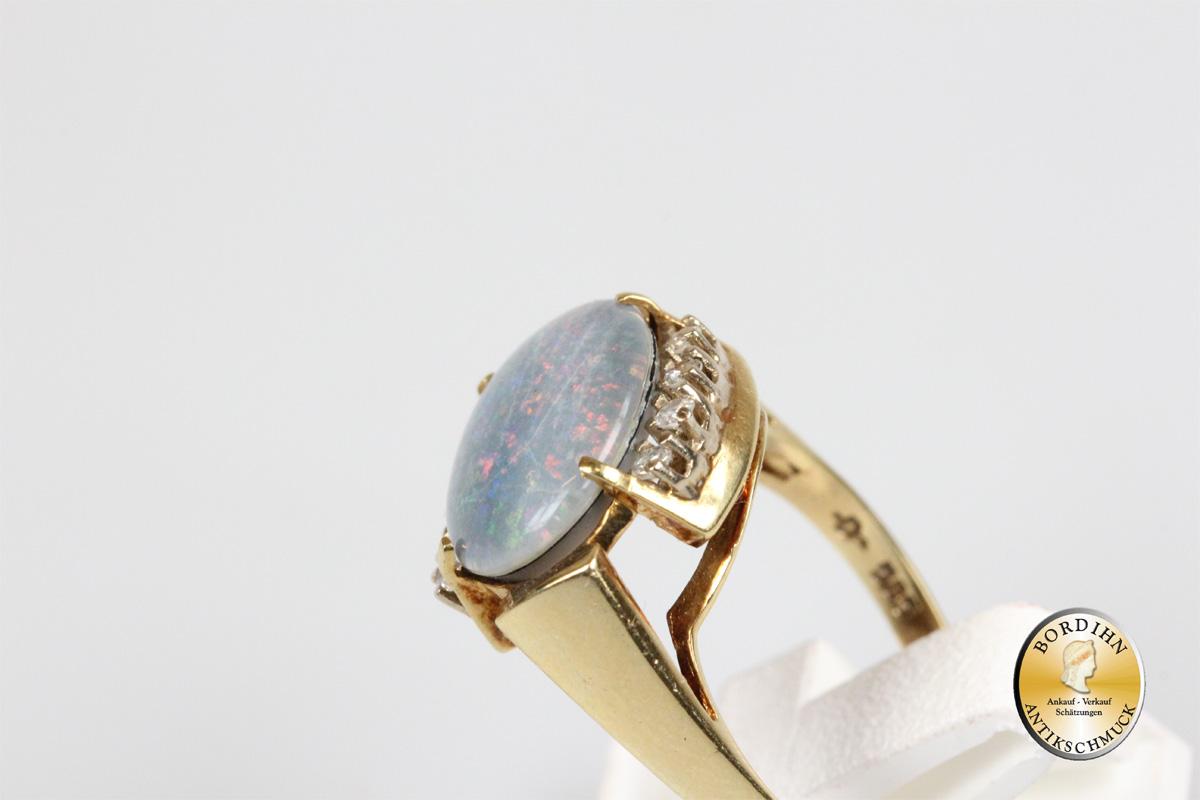 Ring; 14 Karat Gold, blauer Opal (Dublette), 8 Brillanten