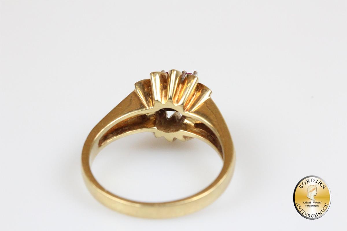 Ring; 14 Karat Gold mit Brillant und Rubin
