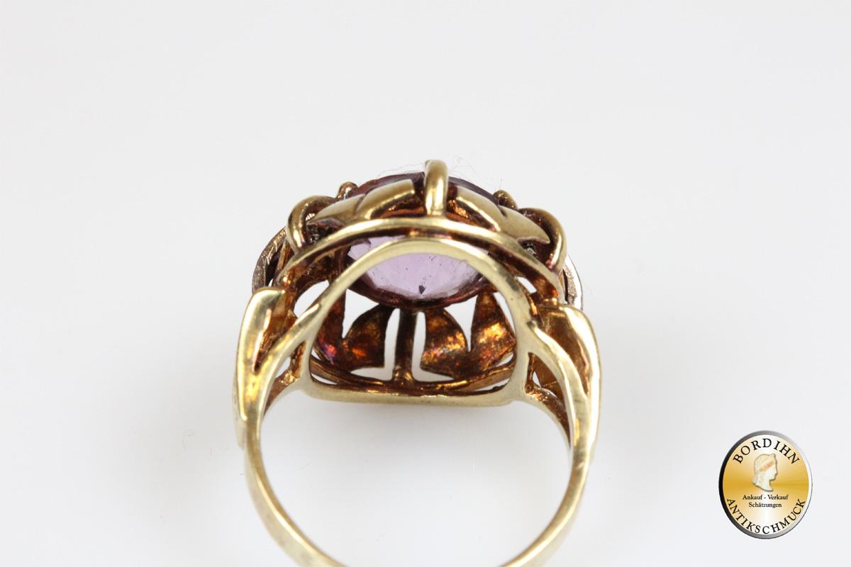 Ring; 14 Karat Gold, Amethyst, 2 Brillianten