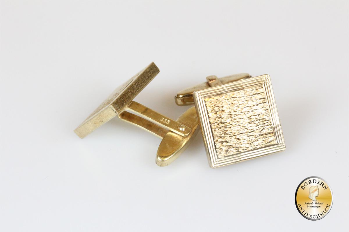 Manschettenknöpfe; 8 Karat Gold, viereckig, schraffiert