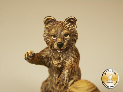 Wiener Bronze Bär mit Honigwabe Fritz Bermann Kunst Sammler Figur