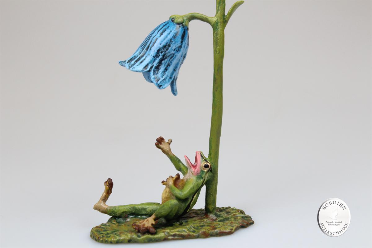 Wiener Bronze Frosch mit Glockenblume Kunst Sammler Figur