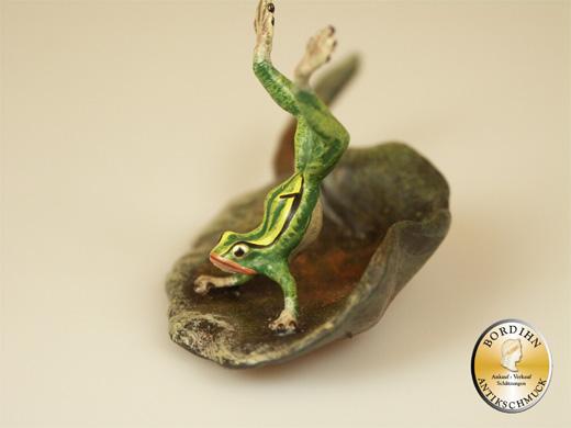 Wiener Bronze Frosch Handstand Lilienblatt Original Skulptur Bermann