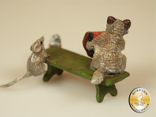 Wiener Bronze Katze Akkordeon Bank Mäuse Kleinkunst Figur Original