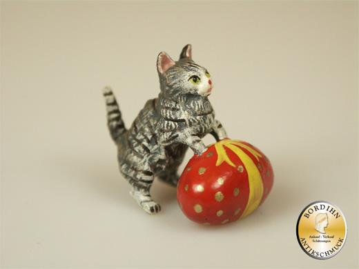 Wiener Bronze Katze mit Osterei Kunst Sammler Figur