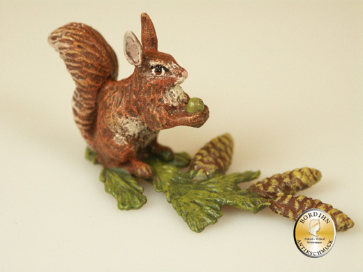 Wiener Bronze Eichhörnchen auf Ast original Fritz Bermann Skulptur