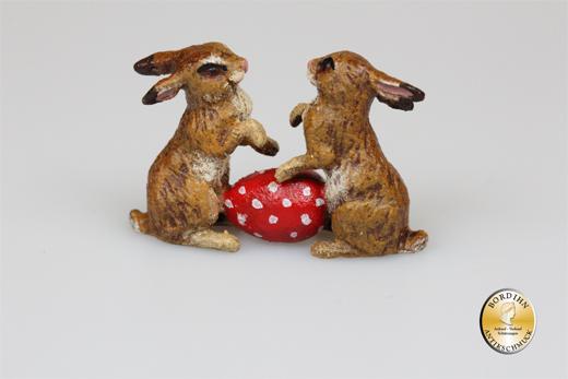 Wiener Bronze zwei Hasen mit Osterei original Fritz Bermann Skulptur