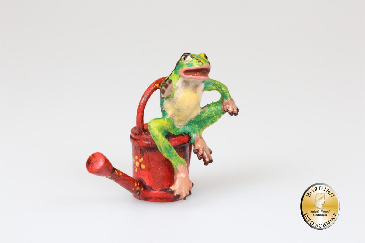 Wiener Bronze; Frosch sitzend auf Giesskanne