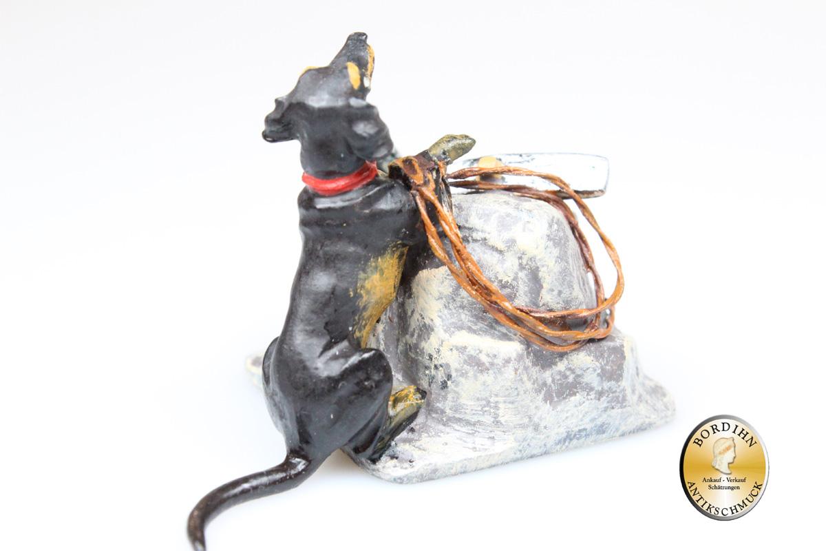 Wiener Bronze; Dackel Bergsteiger auf Felsen