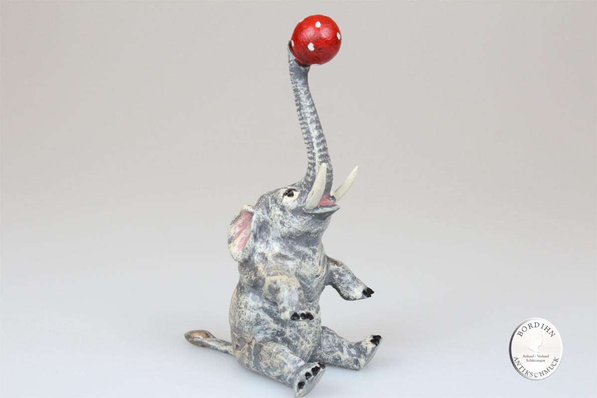 Wiener Bronze Elefant mit Ball sitzend original Fritz Bermann Skulptur