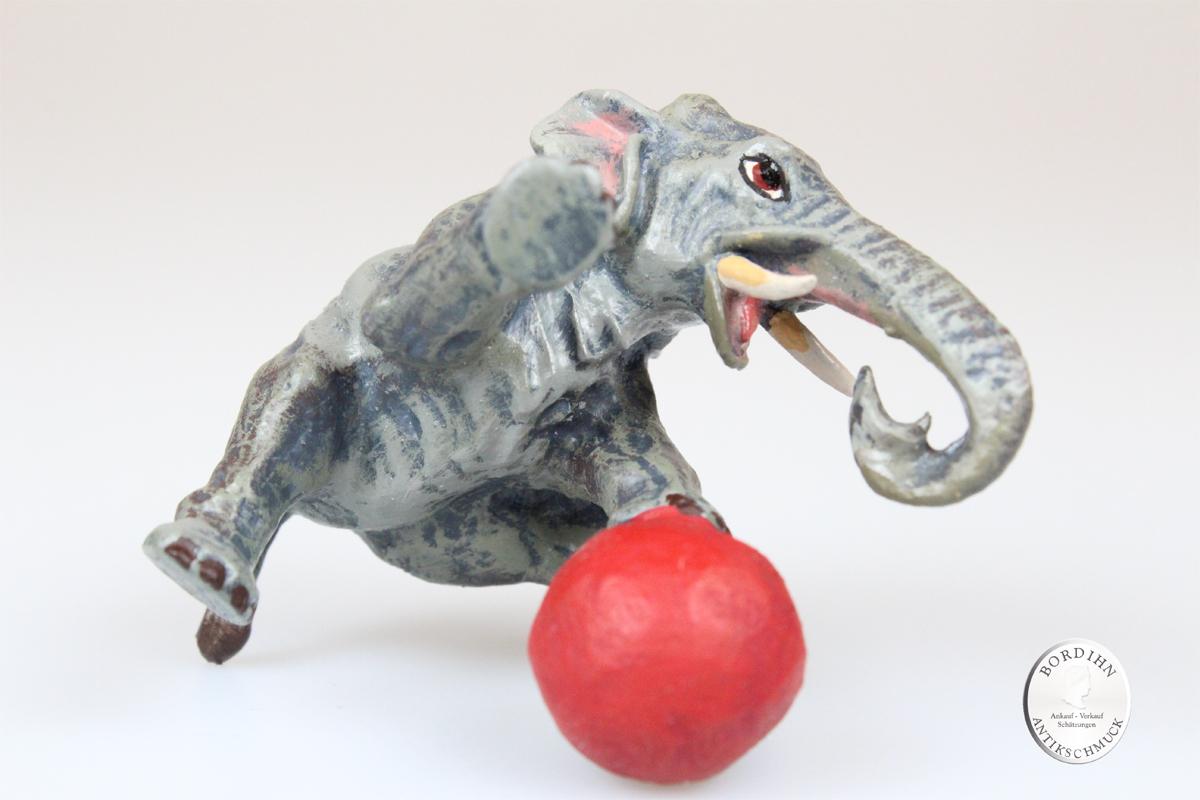 Wiener Bronze Elefant mit Ball spielend original Fritz Bermann Figur