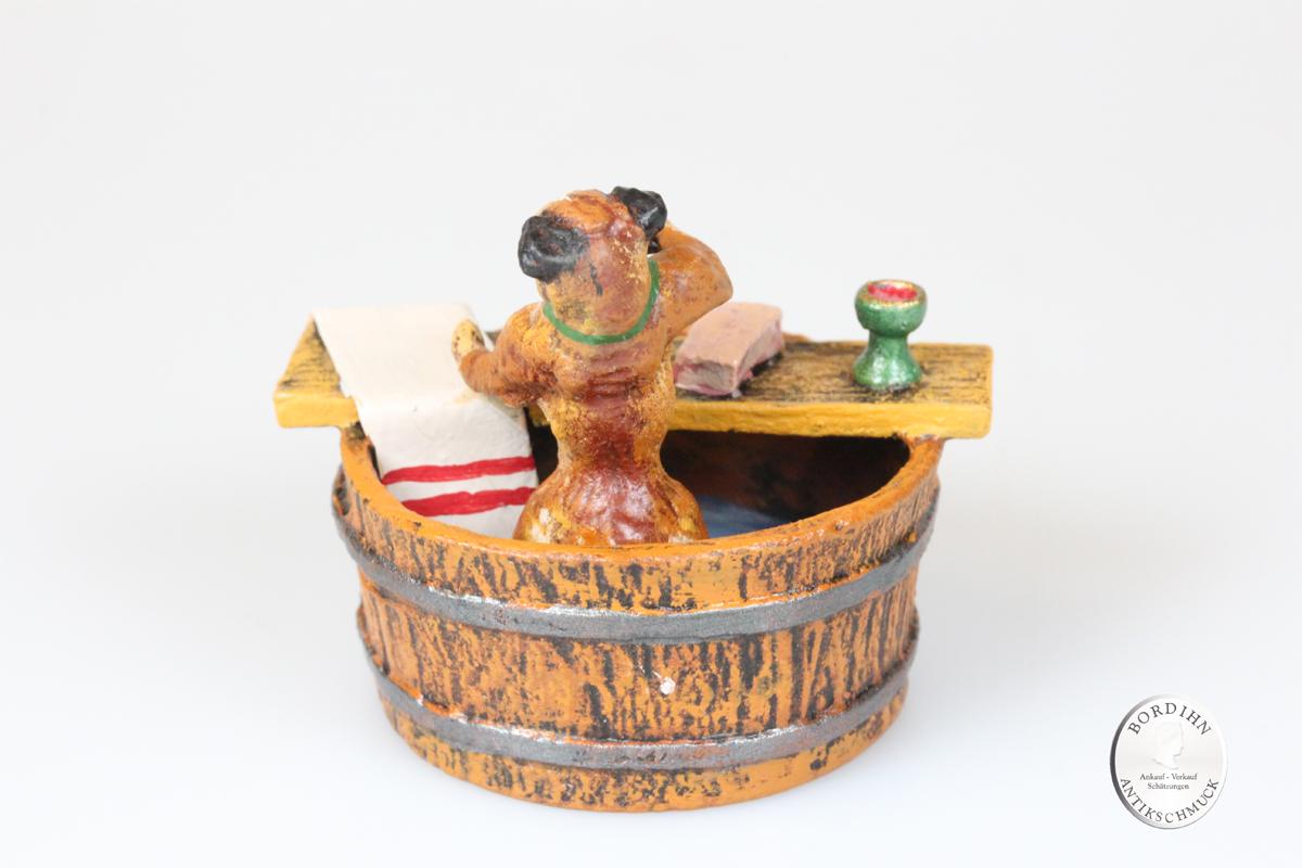 Wiener Bronze Mops im Bottich Kunst Sammler Figur Fritz Bermann